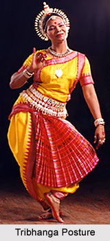 culture-Tribhanga Posture