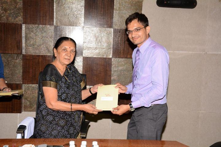 felicitation by Hon'ble CM of Gujarat Smt.Anandiben Patel