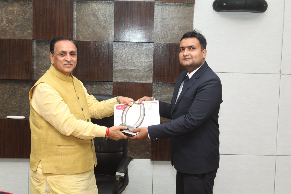 Asheesh Kumar felicitated by the Hon'ble CM of Gujarat, Shri Vijay Rupani